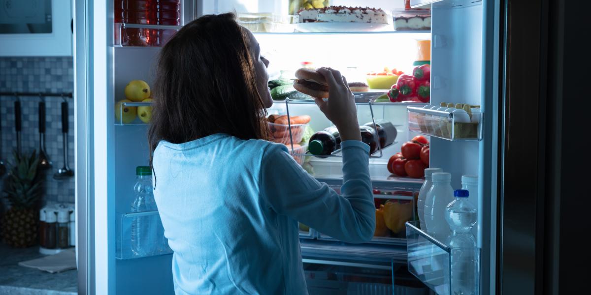Como reduzir a fome à noite?